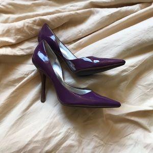 purple guess heels/pumps